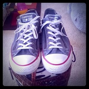☺️Converse Sneakers (unisex) like New!